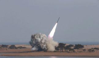 Nordkoreas Machthaber Kim Jong-Un testet in regelmäßigen Abständen Raketensysteme. (Foto)