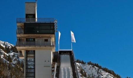 Nur Fliegen ist schöner: Im Urlaub auf die Skischanze (Foto)