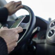 Deshalb sollten Sie auch im Stau nicht zum Smartphone greifen (Foto)