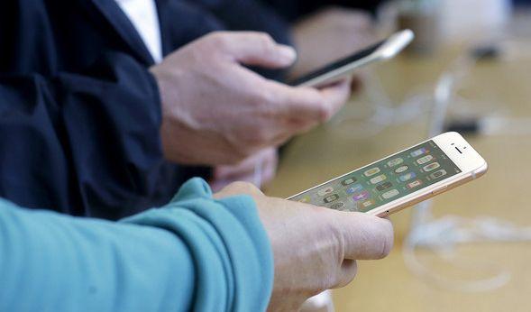 Nutzer berichten von aufplatzenden iPhone-8-Smartphones. (Foto)