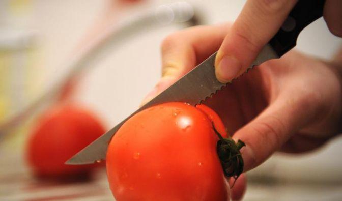 Ob im Salat, in der Soße oder als Beilage: Die Tomate ist unangefochten das beliebteste Gemüse der Deutschen. (Foto)