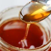 Obwohl es nicht mehr zugelassen ist, wird das Nervengift Thiacloprid immer wieder in Honig nachgewiesen. (Foto)