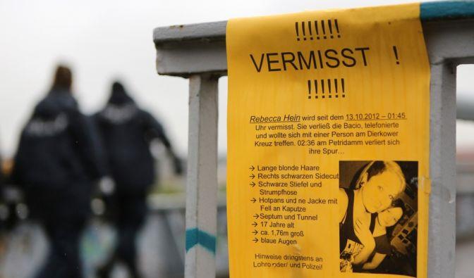 Oktober 2012: Die Polizei sucht nach der 17-Jährigen Rebecca aus Rostock. Ein 28-Jähriger hat sie verschleppt. Fast vier Tage lang hält er sie gefangen und missbraucht sie mehrfach. Dann gelingt ihr die Flucht. (Foto)