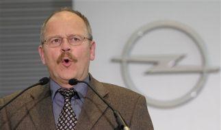 Opel-Betriebsratsvorsitzender Klaus Franz präsentierte das Rettungskonzept. (Foto)