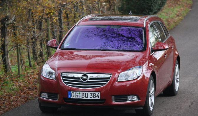 Opel Insignia 2.8 V6 4x4 ST (Foto)
