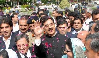 Pakistans Verfassungsgericht spricht Premier schuldig (Foto)