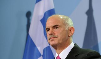 Papandreou stellt neue Regierungsmannschaft vor (Foto)