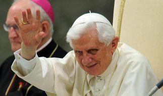 Papst nach Großbritannien gestartet (Foto)