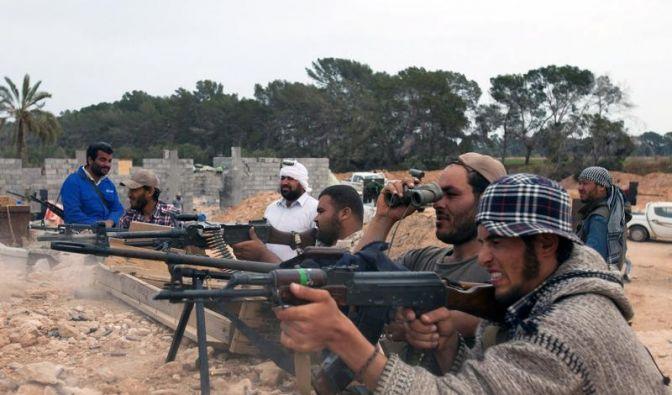 Paris liefert Waffen an Libyens Rebellen (Foto)