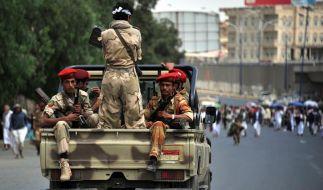 Patrouille in der jemenitischen Hauptstadt Sanaa.  (Foto)