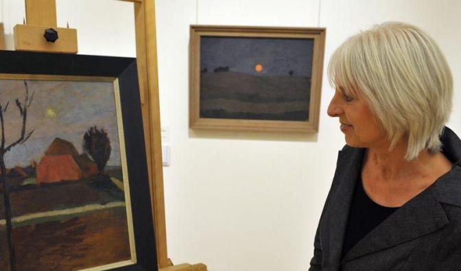 Paulas Bilder in Tante Marthas Wohnzimmer (Foto)