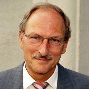 PD Dr. med. Friedhelm Späh ist Facharzt für Innere Medizin und Kardiologie.