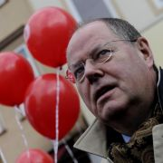 Peer Steinbrück in den letzten Zügen des Straßenwahlkampfs Niedersachsen.