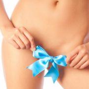 Perfekt wird ein erotischer Auftritt erst mit einer gepflegten Bikinizone.