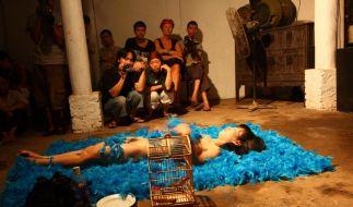 Performance-Künstler in Vietnam kämpfen gegen Tabus (Foto)