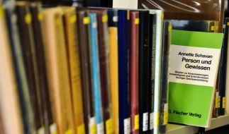 Person und Gewissen heißt die Doktorarbeit, in der ausgerechnet die für Forschung zuständige Ministerin plagiiert haben soll. (Foto)