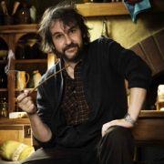 Schmaucht ein Pfeifchen wie die Hobbits: Peter Jackson.