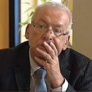 Peter Zwegat will helfen, doch dieser Schuldenberg schockiert ihn.