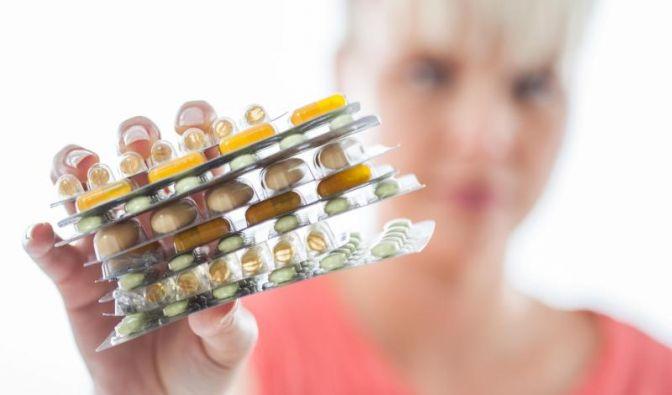 Pharmakonzerne entwickeln laufend neue Medikamente. Damit sie zugelassen werden können, müssen sie getestet werden - auch am Menschen. (Foto)