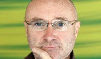 Phil Collins schmeißt die Trommelstöcke hin (Foto)