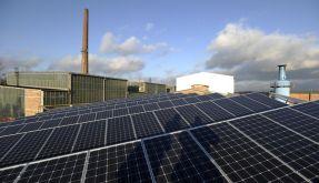 Photovoltaikanlage auf dem Gelände des Aluwerks in Hettstedt (Sachen-Anhalt). (Foto)