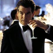 Pierce Brosnan warder von allen James Bonds der eleganteste. 1995 gab er sein 007-Debüt in Golden Eye.