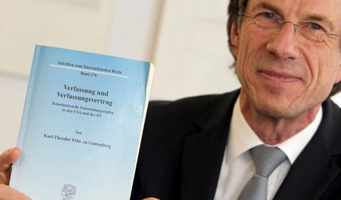 Plagiatsaffäre: Guttenberg-Ermittlungen dauern an (Foto)