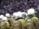 Polizei im Stadion (Foto)
