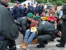 Polizei räumt Blockade vor Stuttgarter Hauptbahnhof (Foto)
