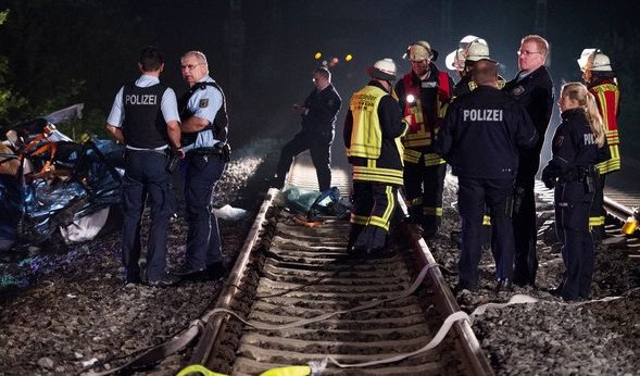 ICE kracht in Auto - Fahrer tot! (Foto)
