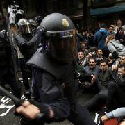 Blut und weinende Kinder auf Spaniens Straßen (Foto)