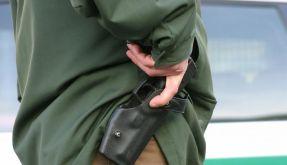 Polizisten greifen seltener zur Waffe (Foto)