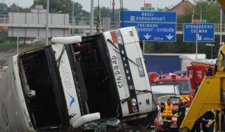 Polnischer Reisebus verunglückt im Elsass - Zwei Tote (Foto)