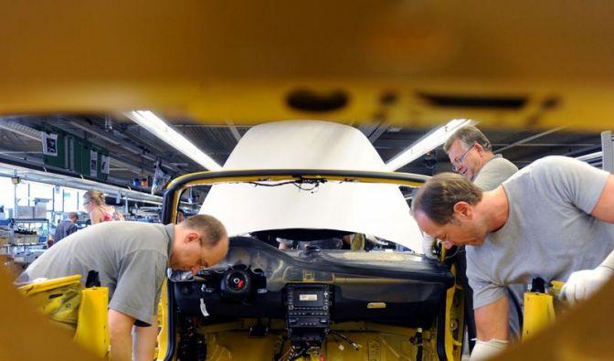 Porsche Dachgesellschaft mit schwarzen Zahlen (Foto)
