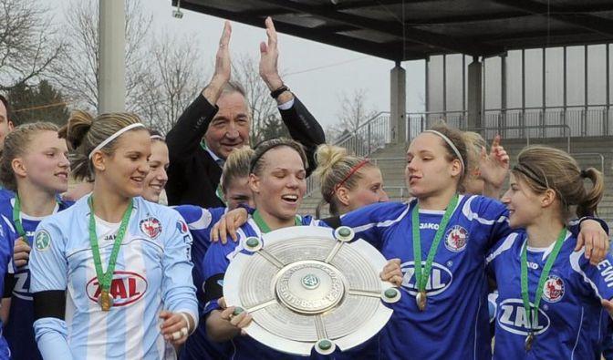Potsdam zum fünften Mal Frauenfußball-Meister (Foto)