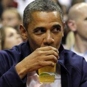 Präsident Barack Obama trinkt gern mal ein Bier - besonders gern sein eigenes Honig-Gebräu.