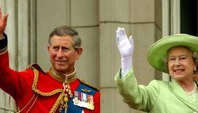 Prinz Charles und die Queen (Foto)
