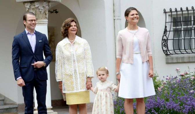 Prinz Daniel, Königin Silvia, Prinzessin Estelle und Kronprinzessin Victoria am 14. Juli 2014, Victorias 37. Geburtstag. (Foto)
