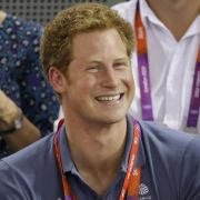 Prinz Harry (27), erhält nach der Veröffentlichung von Fotos einer Nacktparty in Las Vegas Unterstützung vom Königshaus.