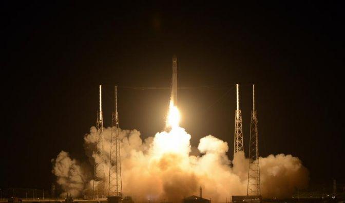 Private Raumkapsel «Drache» auf Weg zur ISS (Foto)