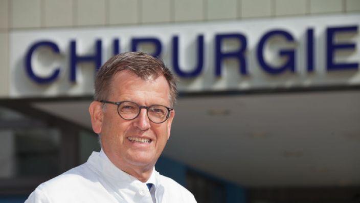 Prof. Tim Pohlemann, Direktor der Klinik für Unfall-, Hand- und Wiederherstellungschirurgie des Universitätsklinikum des Saarlandes. (Foto)