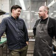 Profi-Köche vor harten Herausforderung: Können Tim Mälzer und Christian Lohse ihre Aufgaben bewältigen? (Foto)