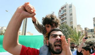 Protest gegen Assad - Was bringt die Zukunft für Syrien? (Foto)