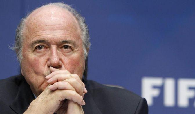 Pulverfass FIFA: Blatter und Valcke attackiert (Foto)