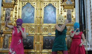 Pussy Riot bleiben bis Ende Juli in U-Haft (Foto)
