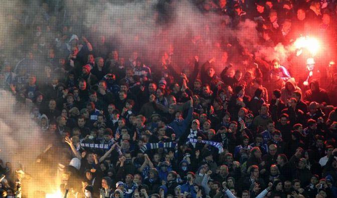 Pyrotechnik: 12 000 Euro Geldstrafe für Schalke 04 (Foto)