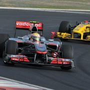 Hamilton schnappt sich die Pole Postion in Malaysia (Foto)