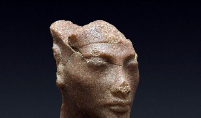 Quarzit-Kopf der ägyptischen Königin Nofretete entdeckt (Foto)