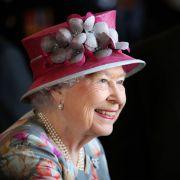"""Startschuss zum """"Swan Upping""""! Die Queen zählt ihre Küken (Foto)"""