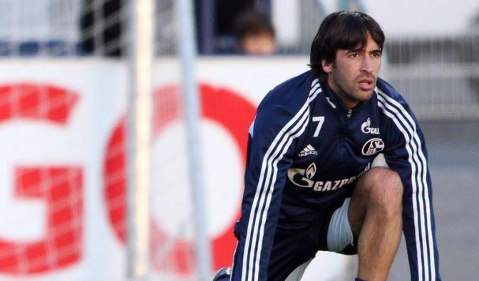 Rätselraten auf Schalke: Raúl lässt Zukunft offen (Foto)